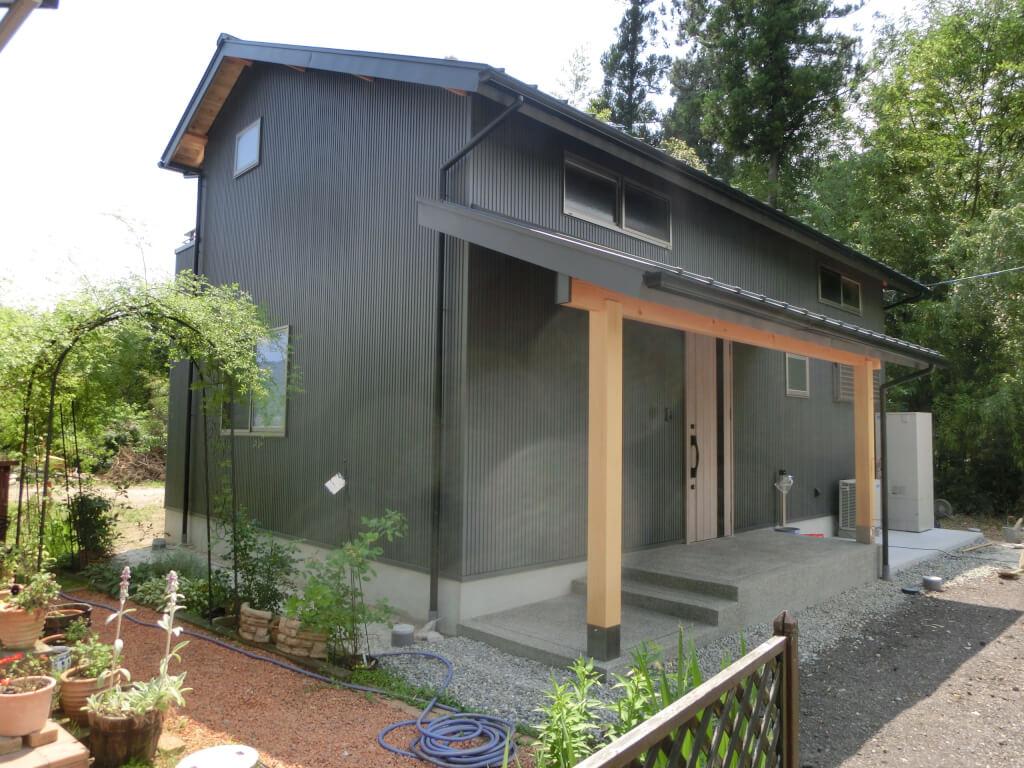 自然素材にこだわったコンパクトな家|S邸