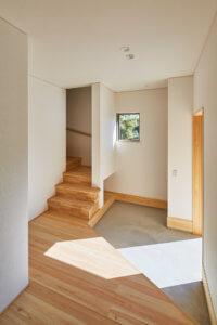 大きな窓が特徴的な二世帯住宅|東海市K邸_サンプル画像04
